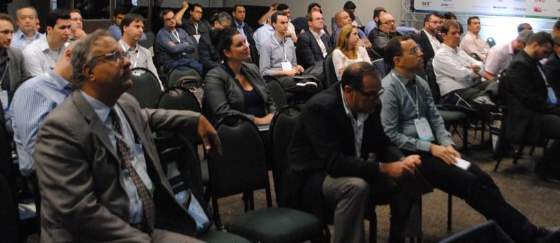O Congresso têm 44 sessões e 220 palestrantes distribuídos em 4 auditórios simultâneos