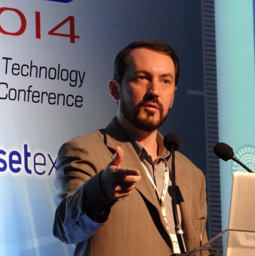 Maurício Donato Nunes durante a sua palestra no Congresso SET 2014