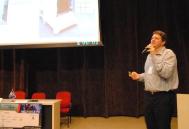 Glenn Zolotar (HITACHI KOKUSAI LINEAR) explicou que a tendência é transmissores compactos e integrados