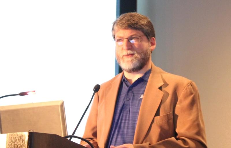 John Mailhot (IMAGINE COMMUNICATIONS) afirmou que o switches Ethernet datacenter-grade, serão fundamentais na infraestrutura híbrida de conexão de áudio / vídeo para as instalações de TV, permitindo uma transição conveniente dos equipamentos SDI existentes para os do futuro com base em IP