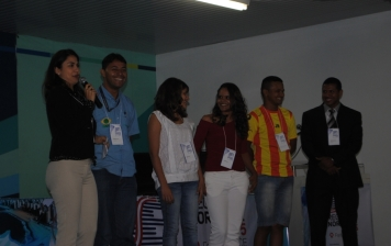 Raquel interatua com os presentes no SET Nordeste 2015