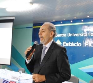 Senador Inácio Arruda, secretário de Ciência e Tecnologia e Ensino Superior do Estado do Ceará