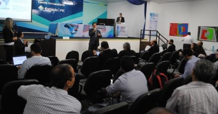 Plateia do SET Nordeste atenta a palestra do Abel Souza (SES)