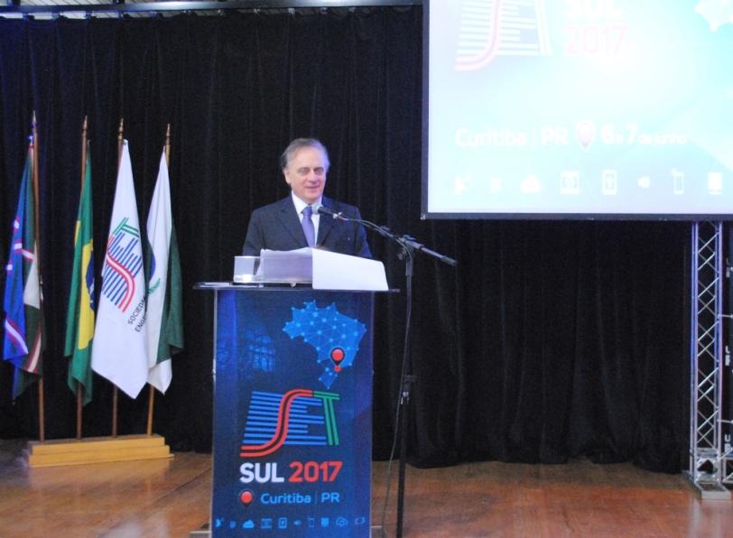 José Pio Martin, reitor da Universidade Positivo